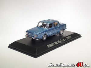 Scale model of Renault 10 Major (1968) produced by Universal Hobbies.