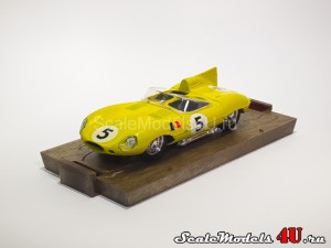 Scale model of Jaguar D-Type HP 260 Le Mans #5 Ecurie Belge (1956) produced by Brumm.
