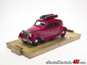 Scale model of Lancia Aprilia Berlina 47 HP Metano (1939) produced by Brumm.